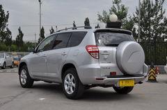 丰田RAV42.0L 自动 豪华升级版侧后45°图片