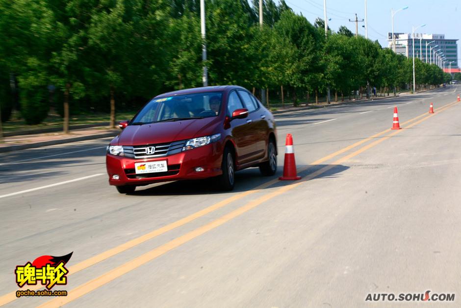 2009款广汽本田锋范试驾-锋范 本田锋范 锋范的实拍图片