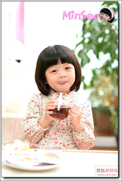 韩国超人气小童星金敏淑 可爱得让人想咬一口