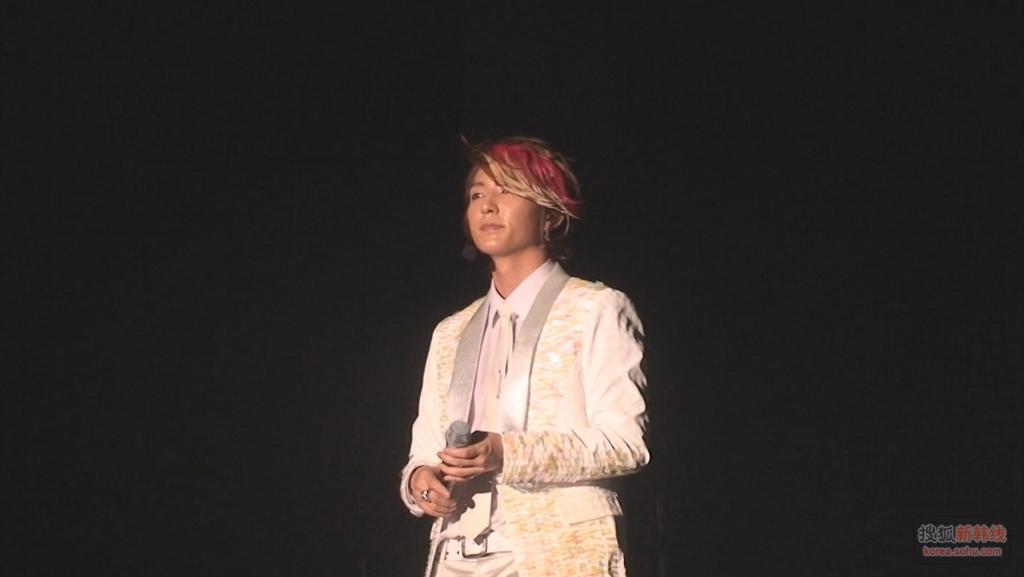 组图 李准基杭州开唱 一缕红发很出挑 关闭注册