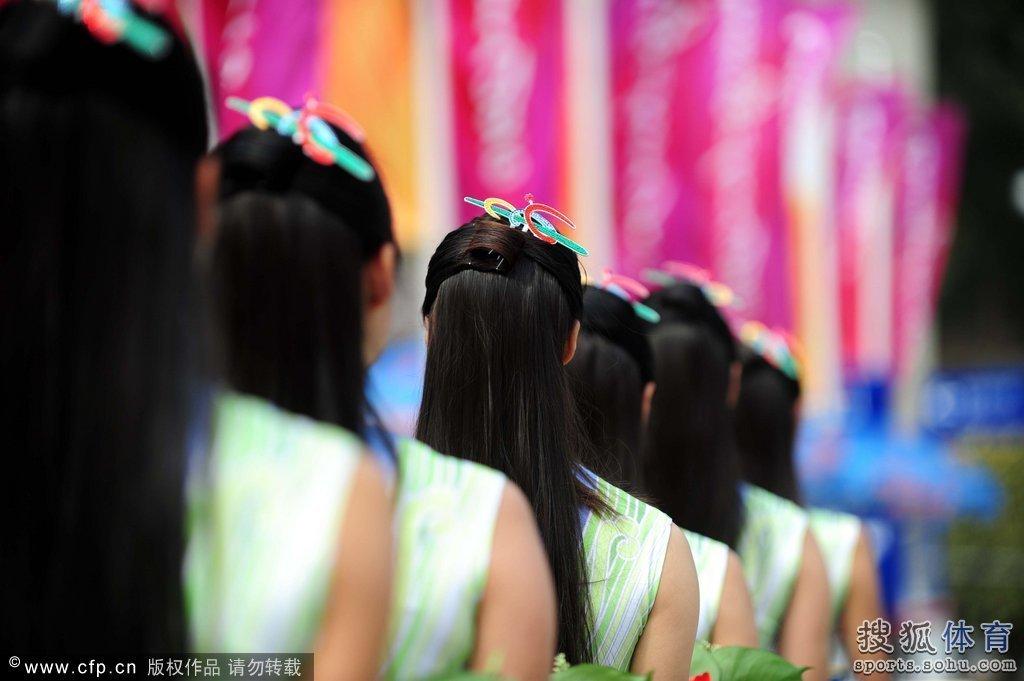 广州亚运礼仪小姐 图