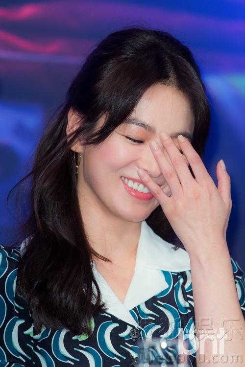 日本男生宿舍晨勃视频-搜狐韩娱讯 2月22日,KBS 2TV全新水木剧《太阳的后裔》剧组举办了图片