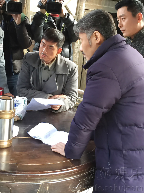 搜狐娱乐讯 由演员刘欢领衔主演的大型抗战题材电视剧《搜索连》日