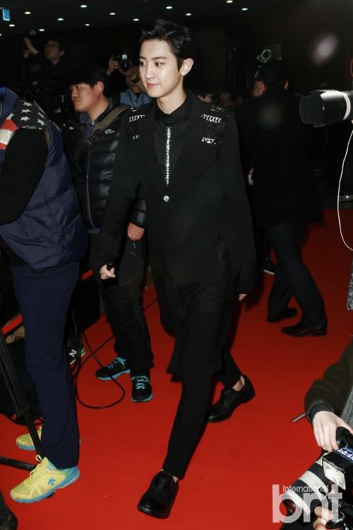 组合EXO等明星出席. 颁奖典礼上共有28位韩国各界文化人获奖,