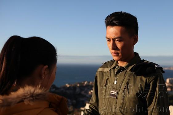 李立群、殷桃、靳东等实力派演员主演的电视剧《温州一家人》正在