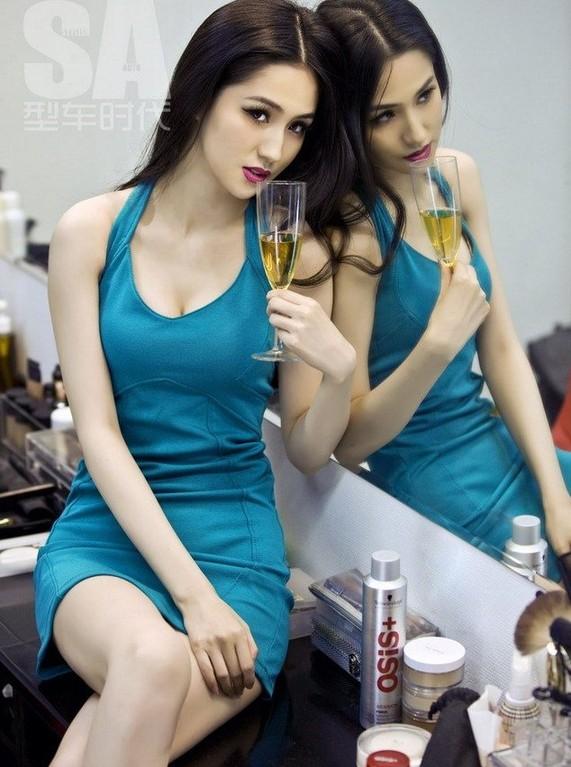 3D女神蓝燕时尚大片曝光 大秀傲人身材