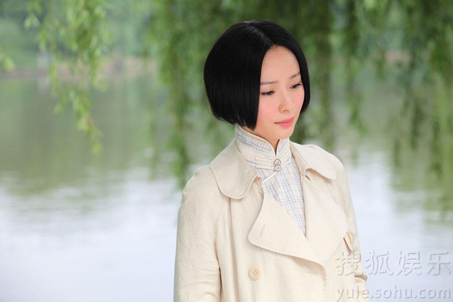 造型之外,百变民国服饰也引发了时尚复古风潮的话题. 清纯学生装图片