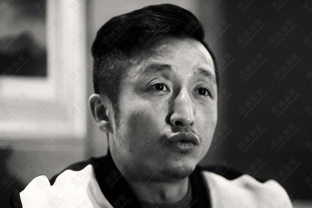 日,近日,中国拳王邹市明接受搜狐体育专访,畅谈自己的拳台内图片