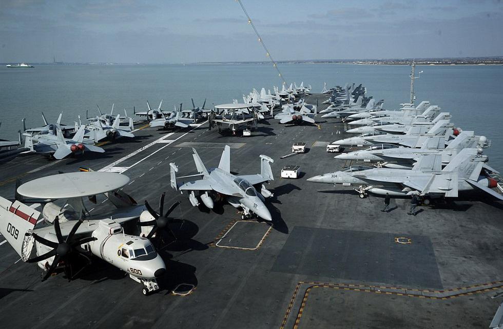 美国最先进航母内部曝光 独立后勤供给能力惊人