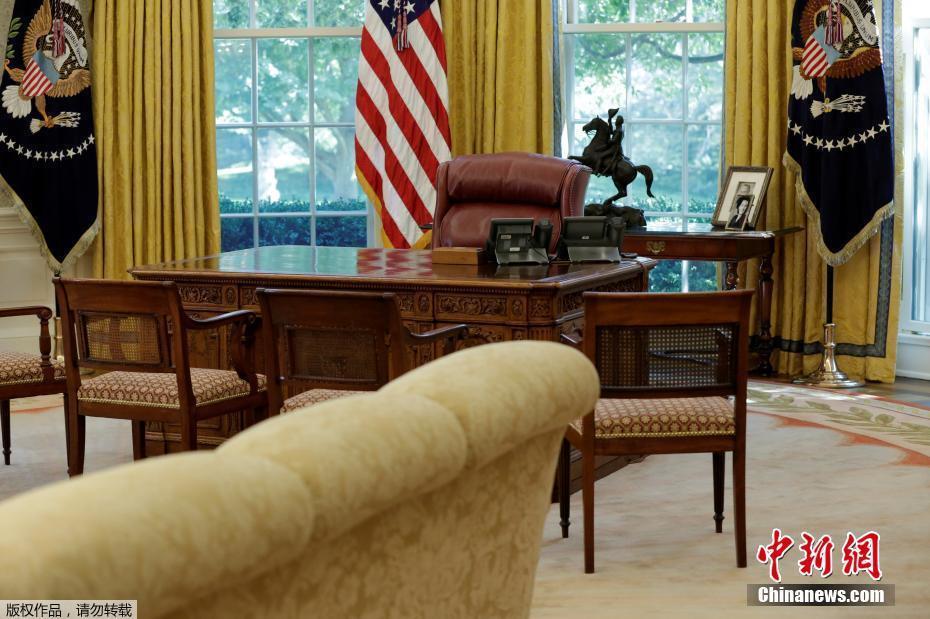 8) 分享到                白宫装修后内部照曝光 白宫椭圆形办公室内