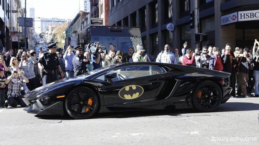 血癌男孩圆蝙蝠侠梦 驾兰博基尼拯救世界