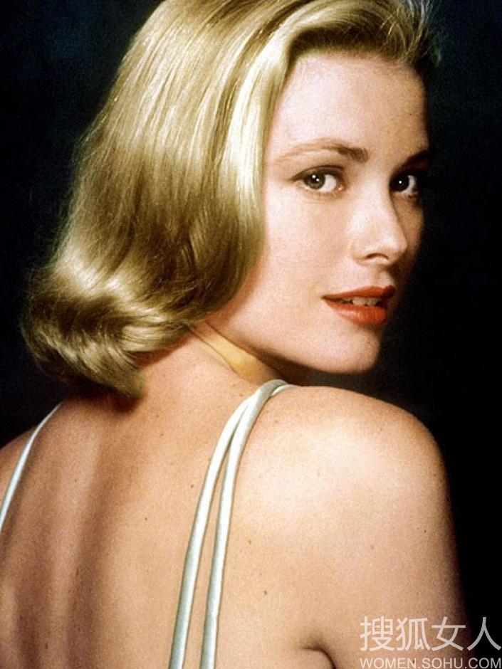 ...完美重现摩纳哥王妃优雅复古发型6768220