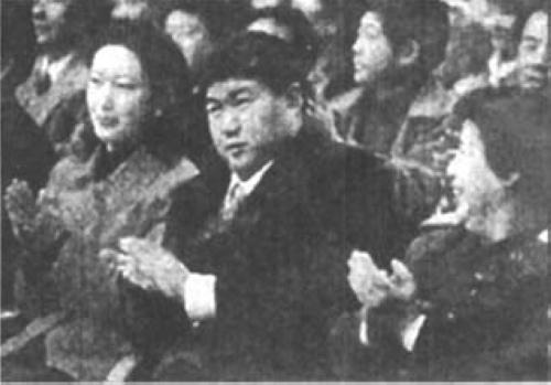 【转载】 毛新宇与前妻郝明莉婚宴照曝光 - 老丫丫 -
