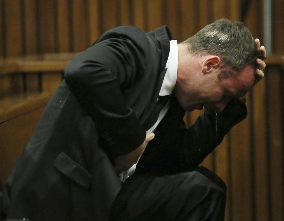高清:刀锋庭审现场几近崩溃 鼻涕横流表情痛苦