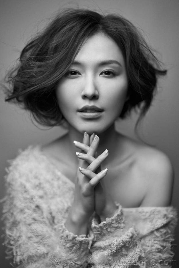 徐洁儿最新黑白写真曝光 展慵懒素雅文艺范儿