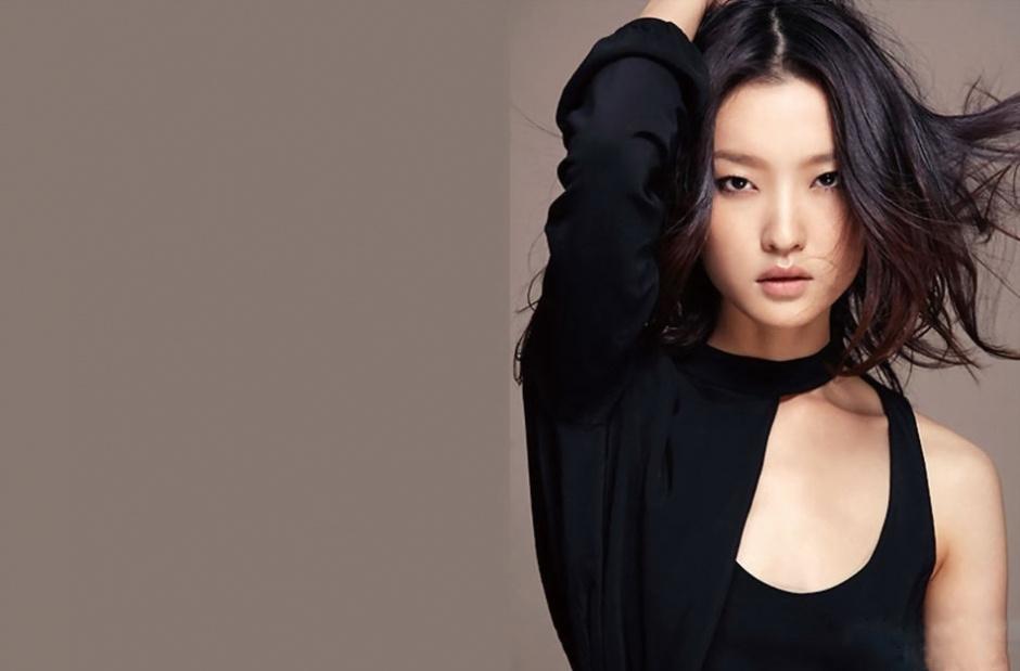 中国入围2人 第48名中国模特杜鹃.