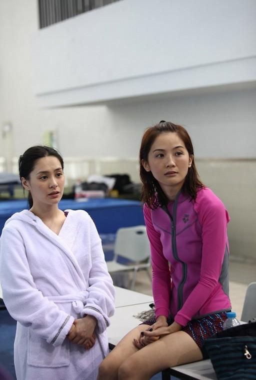 张柏芝阿娇领衔女星跳水 力证天然美女图片