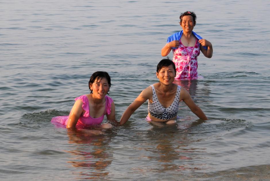 朝鲜人海滨消夏5372848 新闻图片库 大视野