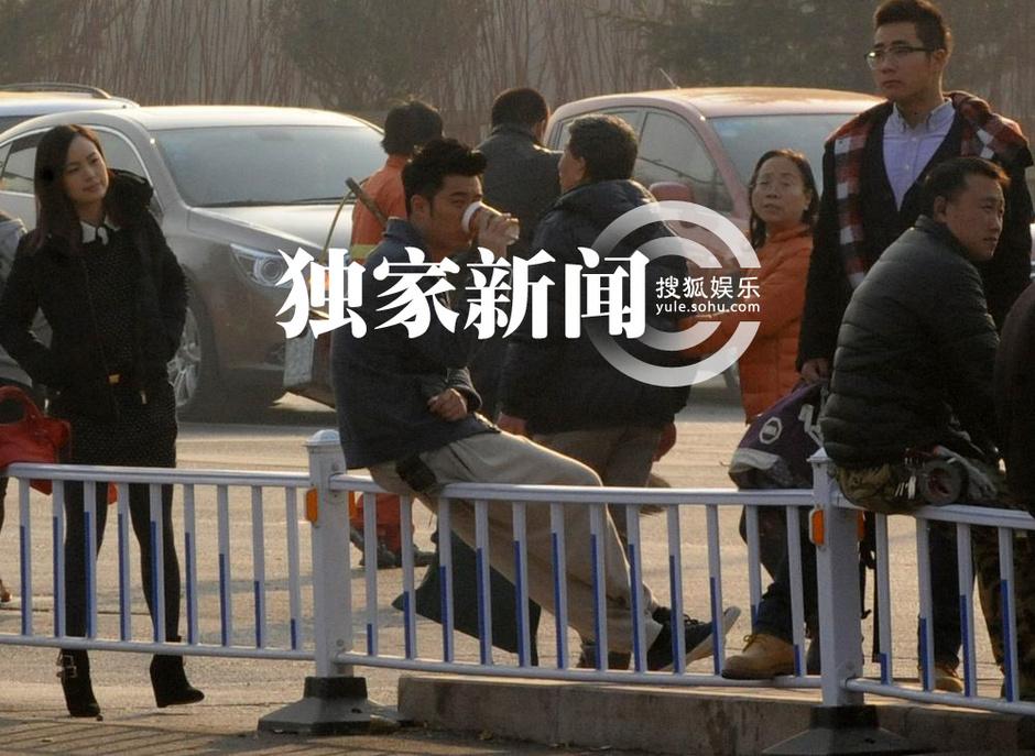 独家 angelbaby北京拍 顾 长卫新戏 驾车 追陈赫 高清图片