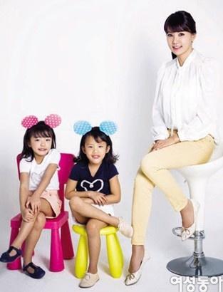 已经拥有一对双胞胎女儿,一对龙凤胎之后,李东国在韩国访谈节目中宣布