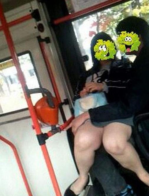 公交车豪放女叉开双腿翘上天