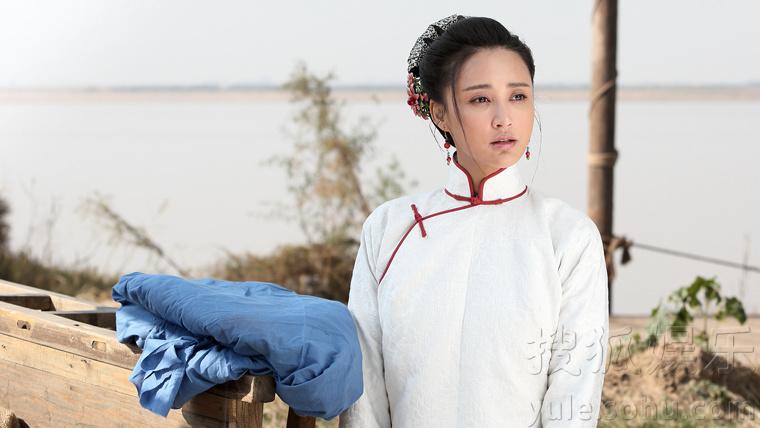张歆艺曝厨娘剧照 网友:二姐离古装越来越近了