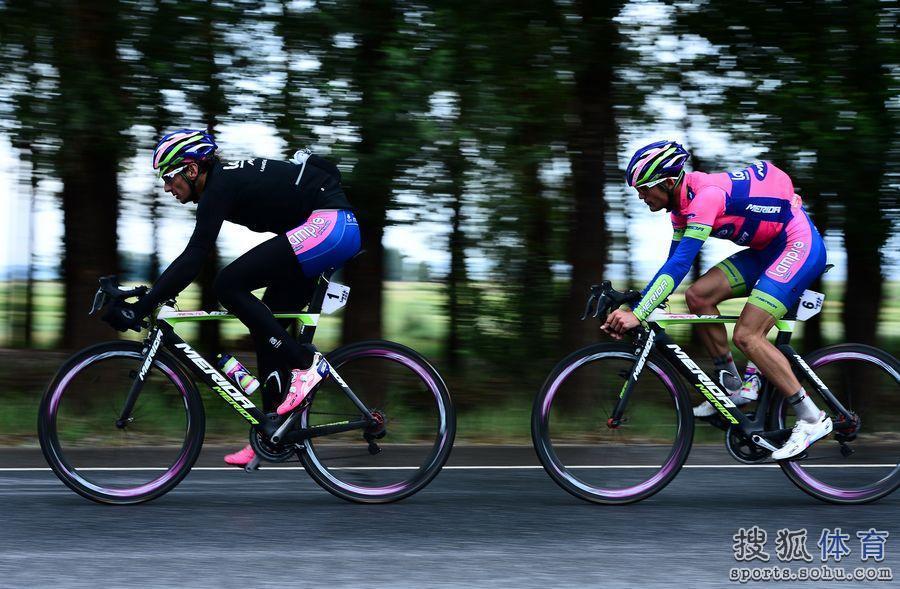 高清:环青海湖自行车赛