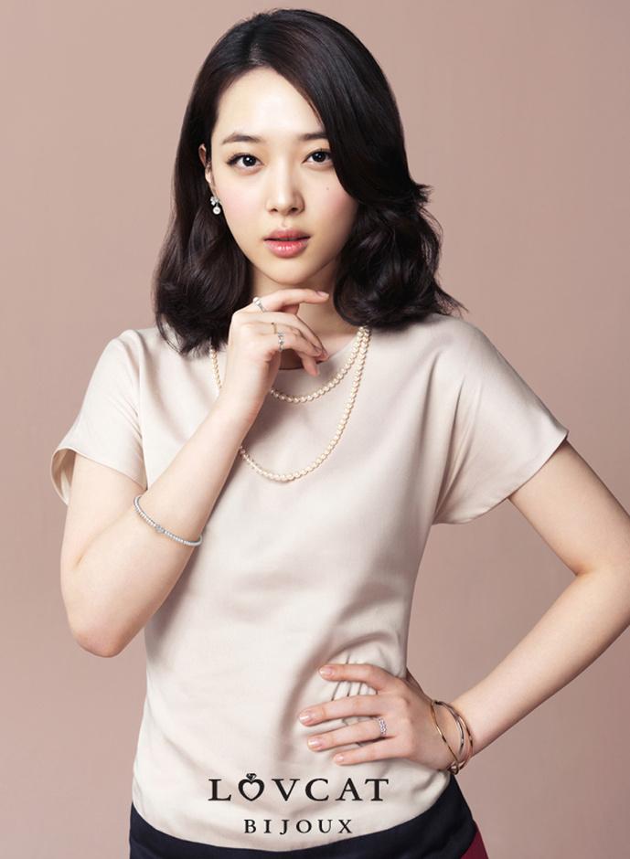 熟�yf�x�_bnt新闻/供稿 金鑫/文 lovcat bijoux/图 f(x)雪莉暗巷牵熟男 t-ara