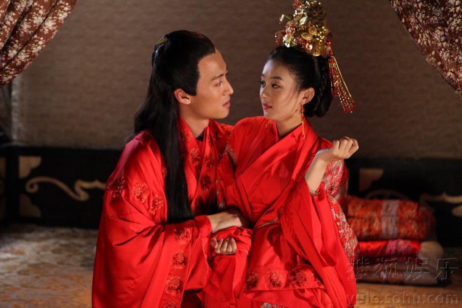 Zhao Li Ying confirms drama Our Glamorous Time with Jin