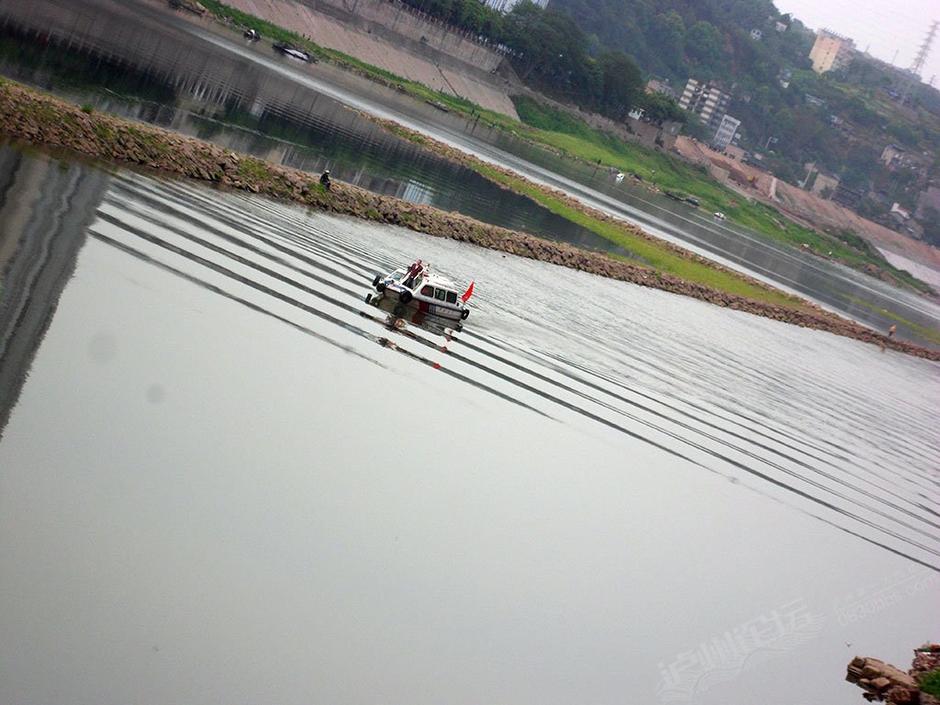 跑酷爱好者跳下40米沱江大桥失踪 - lvjunjiang - 林夕的博客