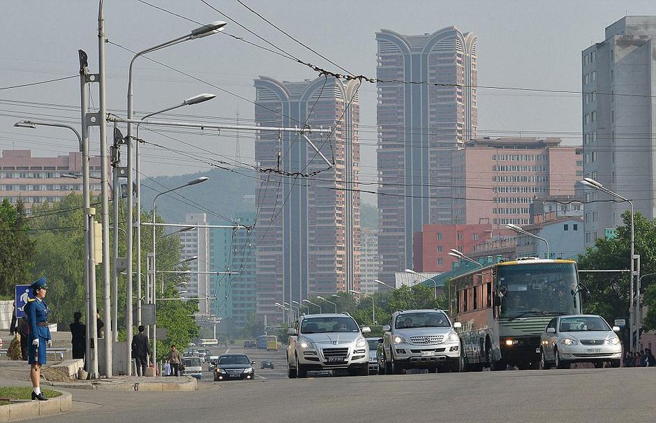图为朝鲜平壤街头.高清图片