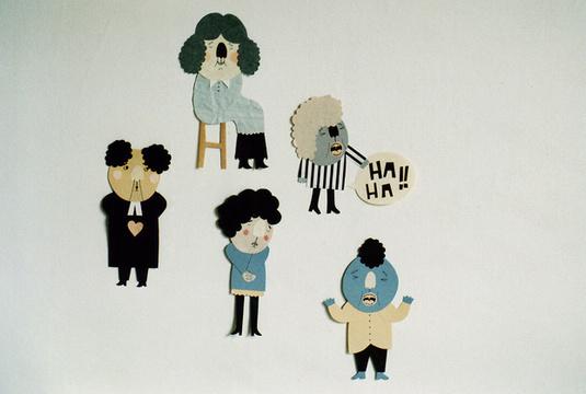 剪纸手工作品 可爱的搞怪纸片人