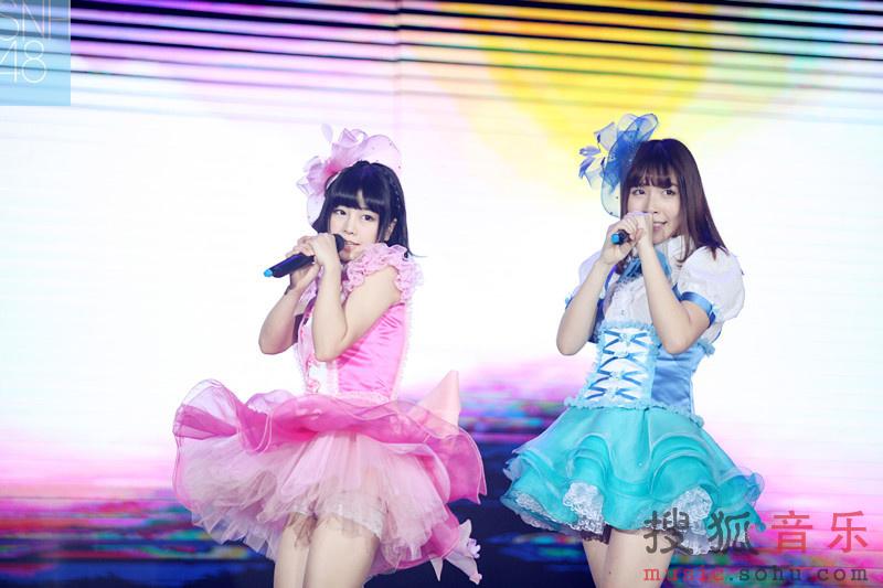 SNH48红白对决万人演唱会 引爆跨界合作热潮