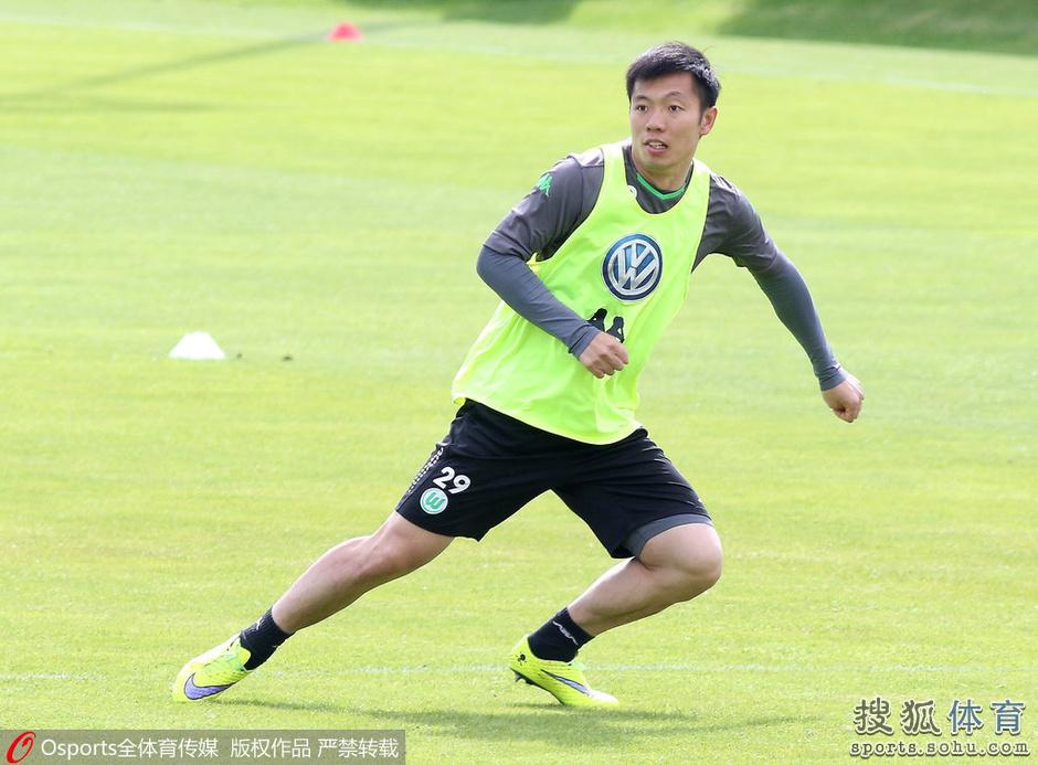回顾张稀哲留洋生涯:半年0出场 获杯赛冠军(图)
