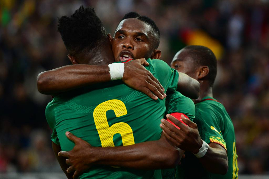 北京时间6月2日凌晨2点30分,一场世界杯热身赛在德国门兴格拉德巴赫的普鲁士公园球场进行。日耳曼战车德国队主场迎战非洲雄狮喀麦隆队。最终经过90分钟激战,两队2-2握手言和。埃托奥为喀麦隆首开纪录,穆勒和许尔勒连进2球先扳平后反超,舒波-莫廷最终将比分追为2-2平。