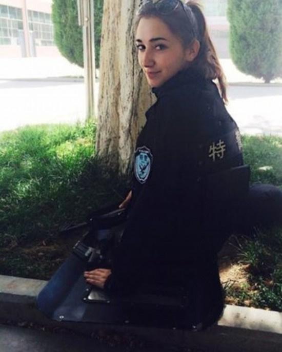 铁血仙子:新疆反恐前线的美女特警2014.7.11 - fpdlgswmx - fpdlgswmx的博客