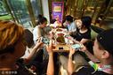 小龙虾餐厅推出代练王者荣耀服务 吃玩不耽误