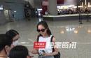 独家:亲和力满分!张钧甯机场大展偶像风范