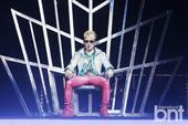 搜狐韩娱讯 25日晚,组合神话成员李玟雨个人演唱会在首尔奥林匹克公园内举行。在演唱会上,李玟雨劲歌热...