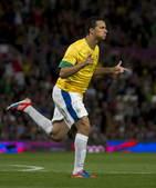 高清:巴西完胜韩国进决赛 达米昂兴奋独中两元