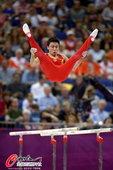 北京时间8月7日消息,男子体操双杠决赛中中国选手冯哲高质量完成动作得分15.966夺得冠军。