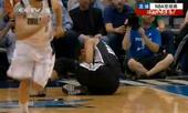 组图:邓肯右膝惊魂受伤退场 虚惊一场回归比赛