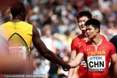 高清:男子4X00中国队进决赛 苏炳添握手博尔特