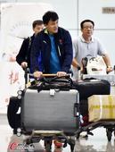 高清:女足亚运回京 足协副主席于洪臣同机抵达