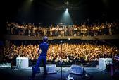 """8月4日,梁博个人音乐专场在上海举行,""""男孩""""梁博和他的乐队为歌迷们献上了一场酣畅淋漓的演出。  ..."""