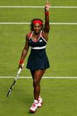 北京时间7月28日,2012年伦敦奥运会网球项目继续进行女单首轮比赛的争夺,温网冠军小威以6-3/6...