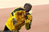 北京时间2012年8月6日,伦敦奥运会田径男子100米决赛颁奖仪式,博尔特获得金牌。更多奥运视频>>...