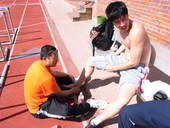 北京时间8月7日下午,在伦敦奥运男子110米栏预赛中,刘翔起跑后在第一栏意外摔倒,无成绩,无缘半决赛...