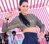 高清图:巴西女排名将参加时装周 美艳秀小蛮腰
