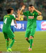 高清:国安主场2-0泰达 伊尔马兹破门击掌李磊